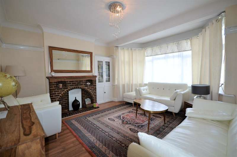 4 Bedrooms Detached House for sale in The Avenue,Wembley, Middlesex, HA9 9QJ
