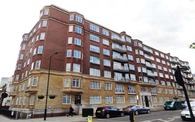 4 Bedrooms Flat for sale in Sussex Gardens, London