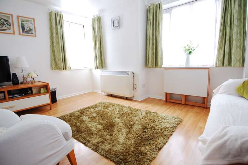 1 Bedroom Flat for sale in Maroons Way, London, SE6