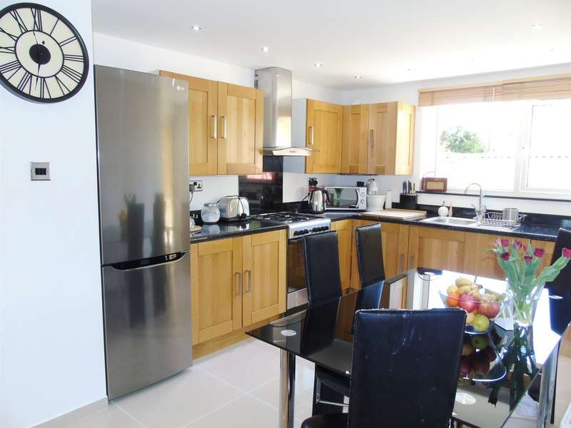 2 Bedrooms Flat for sale in St Lukes Avenue, Penarth