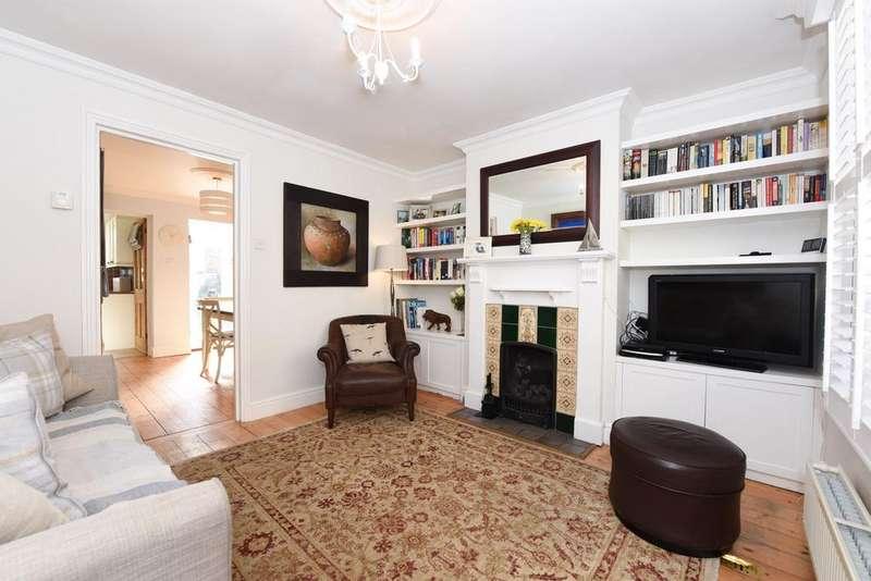 2 Bedrooms Terraced House for sale in Beech Road, Weybridge KT13