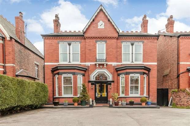 4 Bedrooms Detached House for sale in Balfour Road, Southport, Merseyside