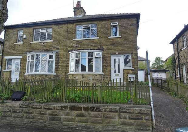 3 Bedrooms Semi Detached House for sale in St Leonards Grove, Bradford, West Yorkshire