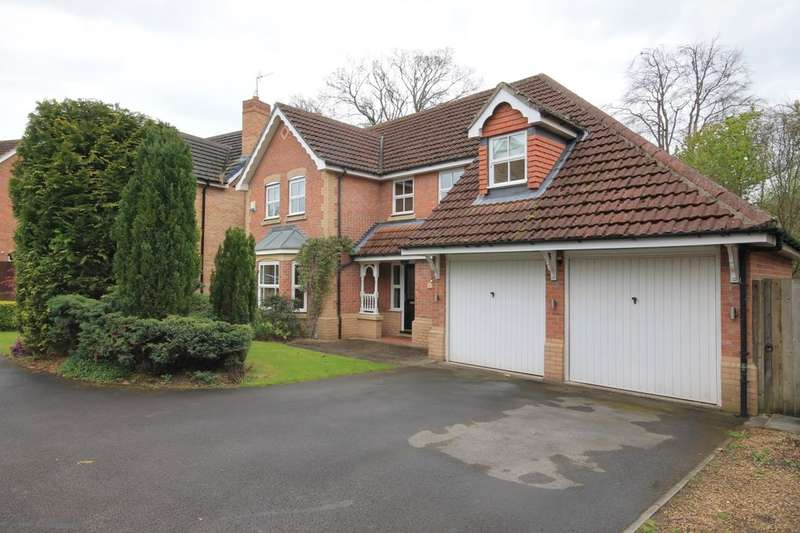 4 Bedrooms Detached House for sale in Hermitage Gardens, Chester Le Street, DH2