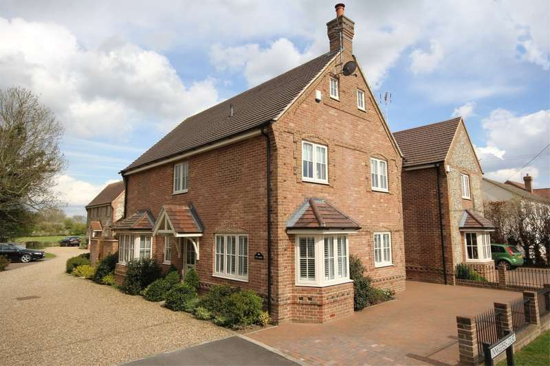 5 Bedrooms Detached House for sale in Longwick   Buckinghamshire