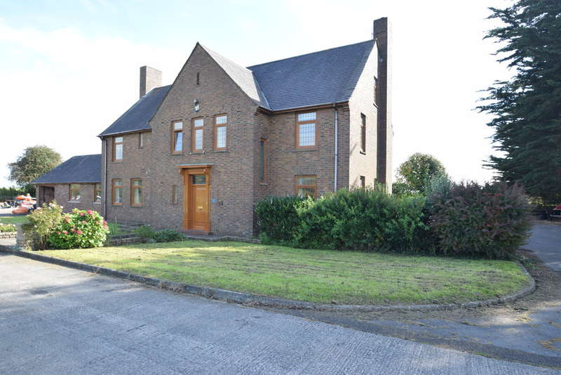 6 Bedrooms Detached House for sale in Cambrian House, Stormy Down, Near Porthcawl, Bridgend County Borough, CF32 0NW