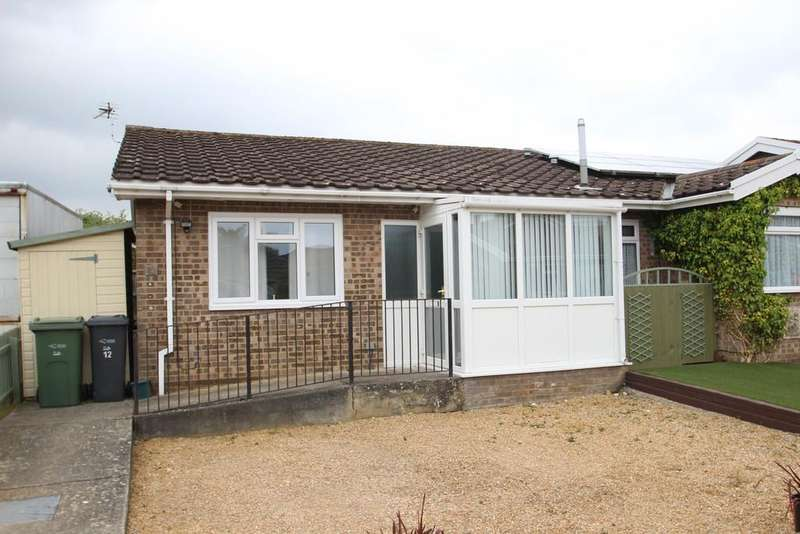 2 Bedrooms Detached Bungalow for sale in Ashey Road, Ryde