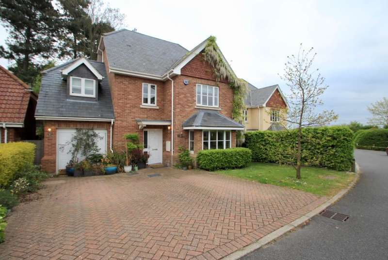 5 Bedrooms Detached House for sale in Hammarsfield Close, Standon, Ware, Hertfordshire, SG11 1PG