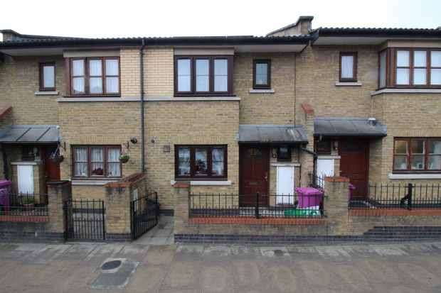 3 Bedrooms Terraced House for sale in Fairfield Road, Bow, London, Greater London, E3 2QU
