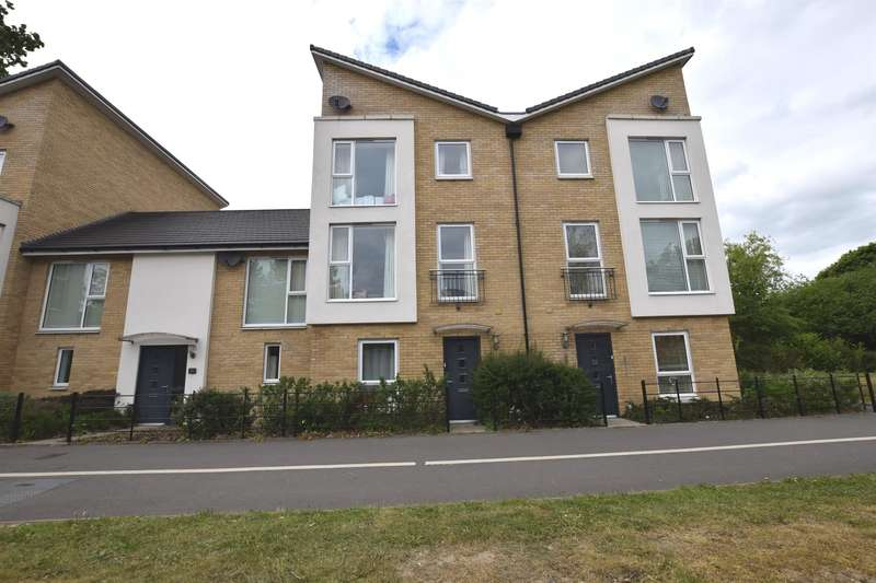 3 Bedrooms Terraced House for sale in Tanyard Place, Harlow, CM20