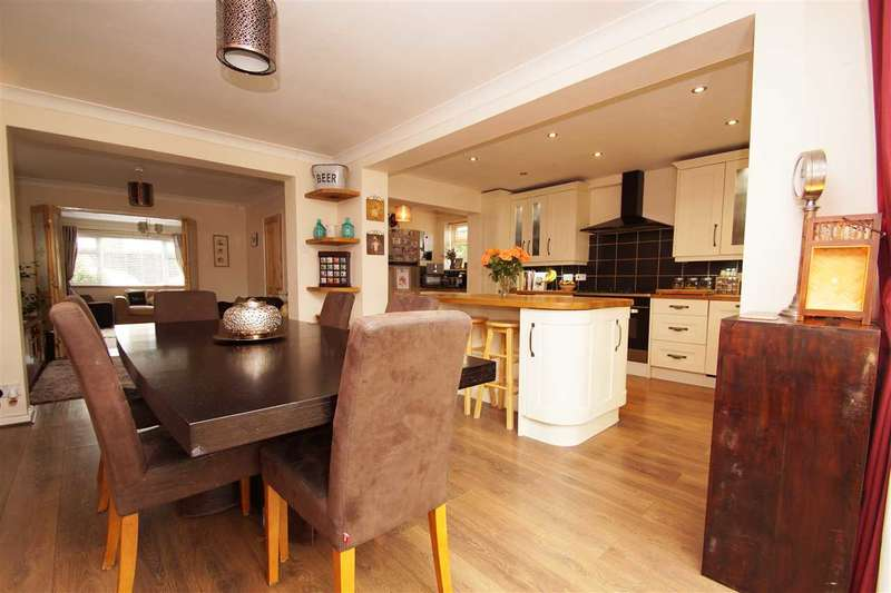 4 Bedrooms Detached House for sale in Straight Road, Lexden, Colchester