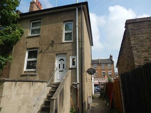 3 Bedrooms Flat for sale in Maple Road, Penge, London