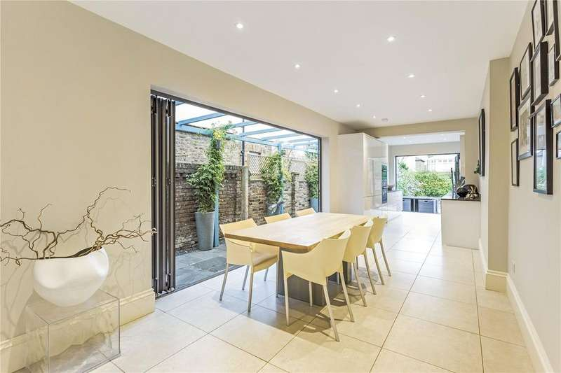 5 Bedrooms Detached House for sale in Warwick Road, London, W5