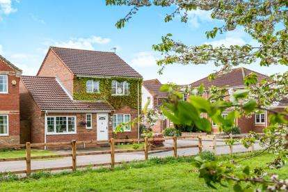 4 Bedrooms Detached House for sale in Sprowston, Norwich, Norfolk