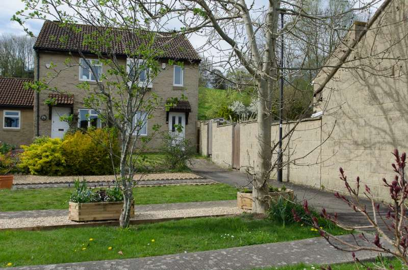 3 Bedrooms Semi Detached House for sale in Frankland Close, Bath