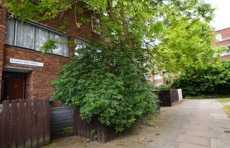 4 Bedrooms Town House for sale in Rowntree Path London SE28