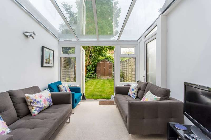 2 Bedrooms Flat for sale in Fleetwood Road, Dollis Hill, NW10