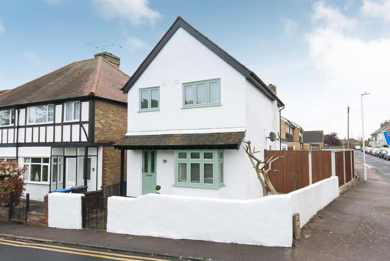 3 Bedrooms Property for sale in Epple Road, Birchington