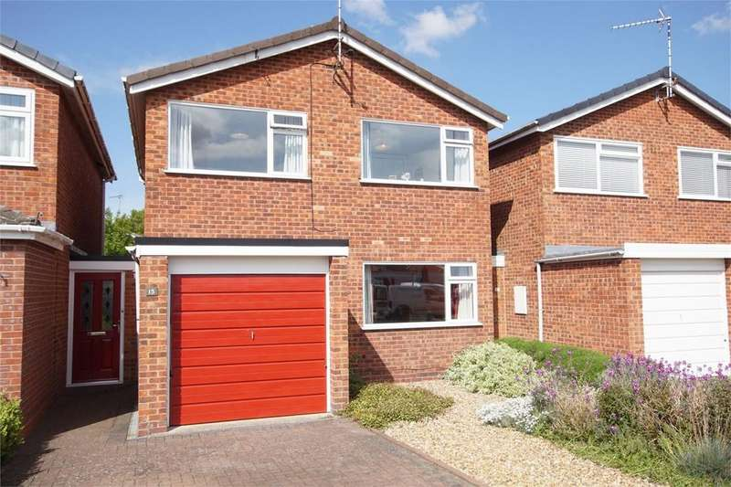 3 Bedrooms Detached House for sale in Brese Avenue, Woodloes Park, Warwick