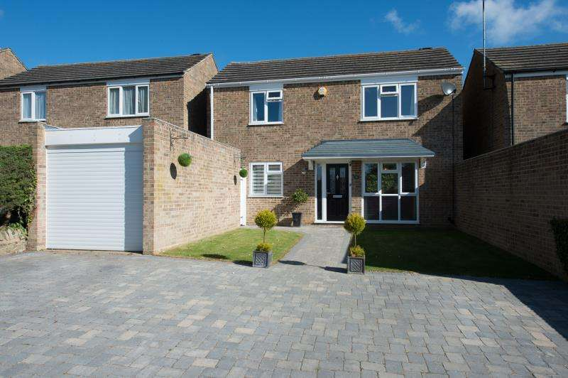 3 Bedrooms Detached House for sale in Dinglederry, Olney