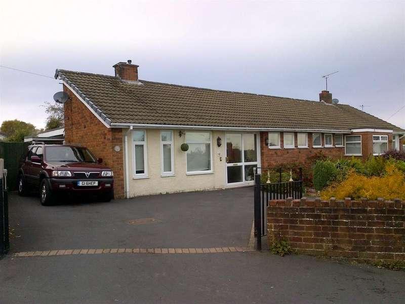 3 Bedrooms Semi Detached Bungalow for sale in Willow Road, Coedpoeth, Wrexham, LL11 3PT