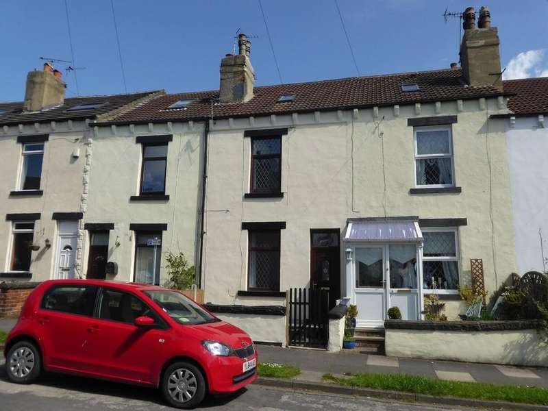 4 Bedrooms Town House for sale in Woodlands Avenue, Stanningley