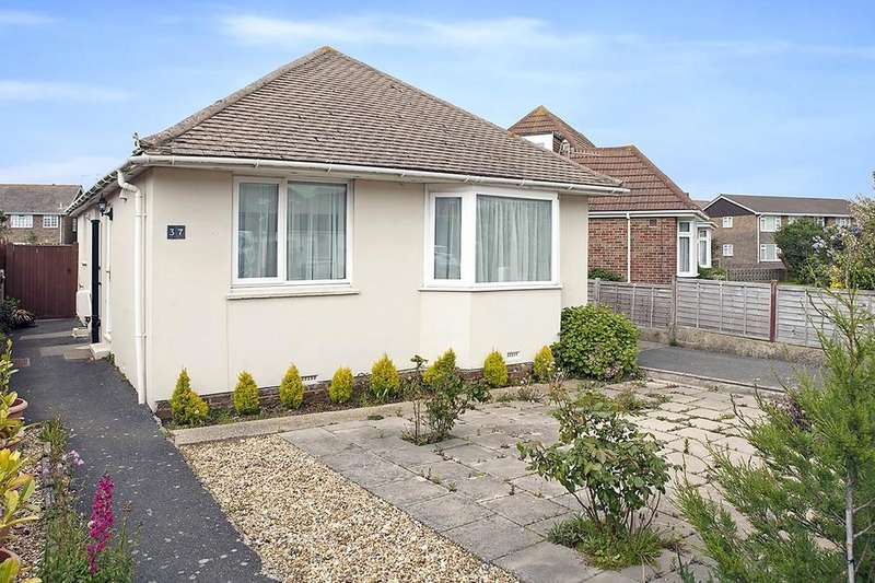 2 Bedrooms Detached Bungalow for sale in Cecil Road, Lancing, BN15