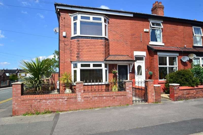 3 Bedrooms Semi Detached House for sale in Southwood Road, Great Moor, Stockport SK2 7DG