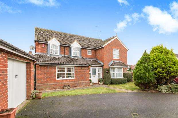 5 Bedrooms Detached House for sale in Bramley, Tadley, Hampshire