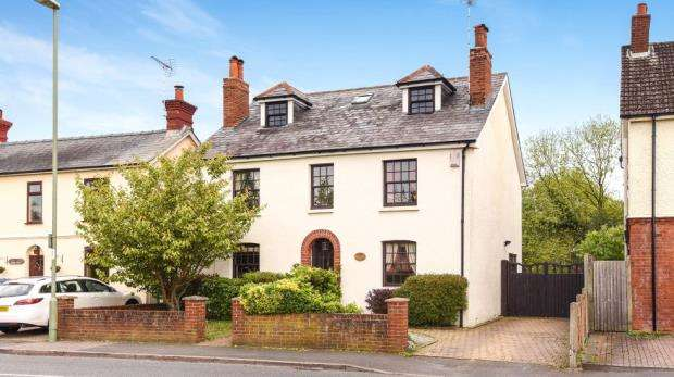 6 Bedrooms Detached House for sale in Rectory Road, Farnborough, Hampshire