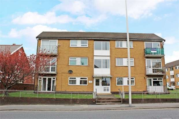 2 Bedrooms Flat for sale in Waterloo Road, Blackpool, Lancashire