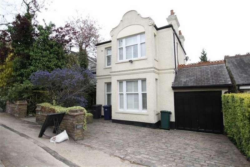 4 Bedrooms Detached House for sale in Hadley Road, Barnet, Herts, EN5