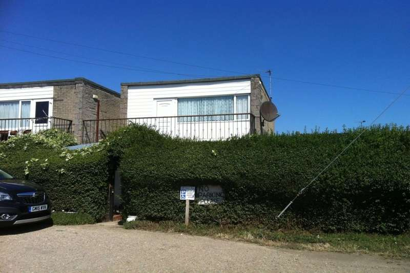 2 Bedrooms Flat for sale in Sheppey Beach Villas Manor Way, Leysdown-On-Sea, Sheerness, ME12