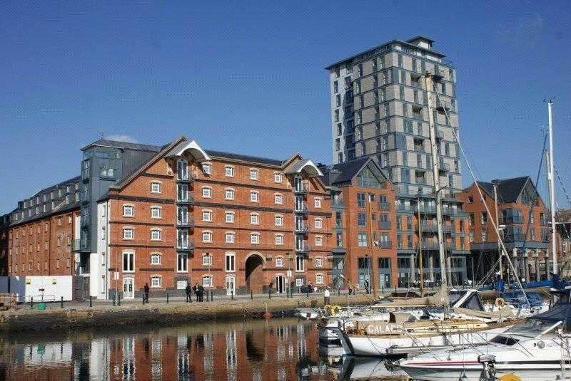 2 Bedrooms Apartment Flat for sale in The Shamrock, Regatta Quay - Ipswich Waterfront, IP4