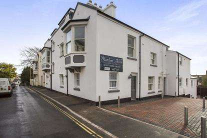 1 Bedroom Flat for sale in Higher Brimley, Teignmouth