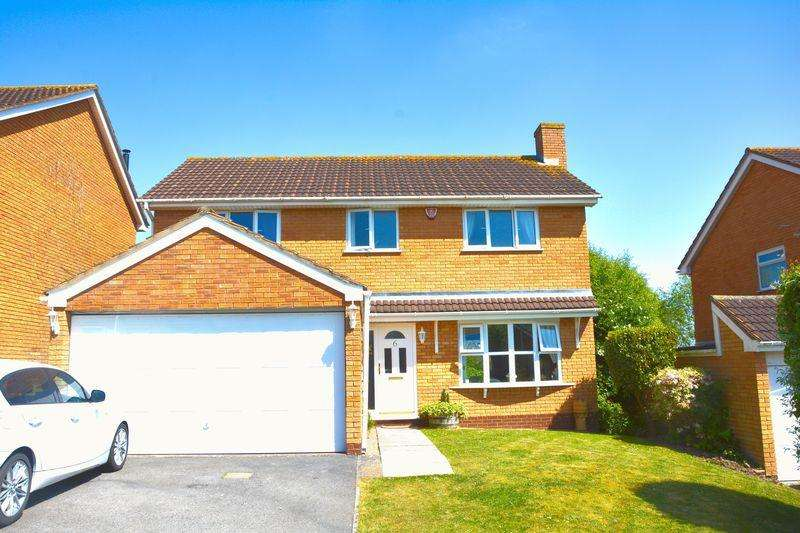 4 Bedrooms Detached House for sale in Southdown, Worle, BS22 6PE
