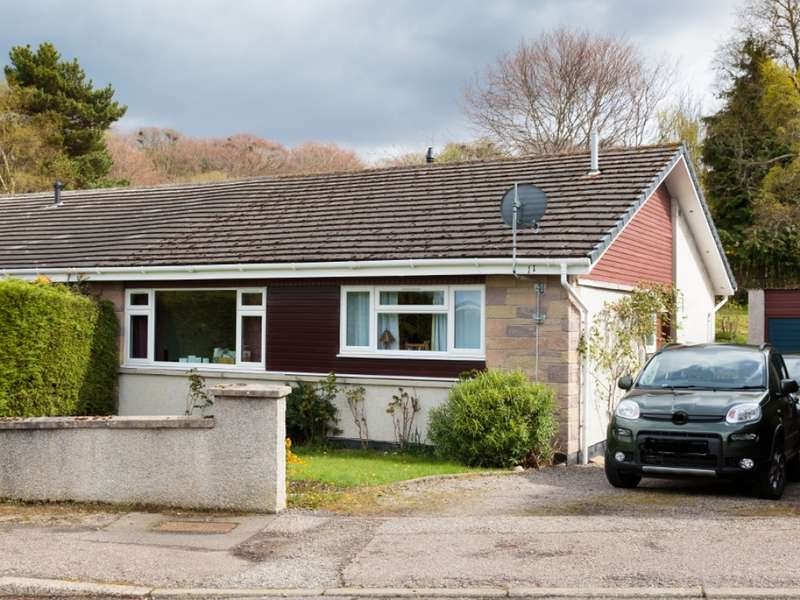 3 Bedrooms Semi Detached Bungalow for sale in 11 Cradlehall Park, Westhill, Inverness, IV2 5BZ