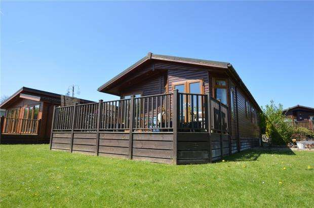 3 Bedrooms Detached Bungalow for sale in Blossom Hill Park, Dunkeswell, Honiton