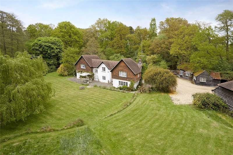 5 Bedrooms Detached House for sale in Sweetwater Lane, Enton, Godalming, Surrey, GU8