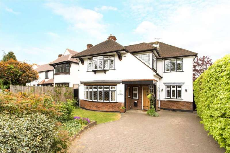 5 Bedrooms Detached House for sale in The Green, Woodford Green, Essex, IG8