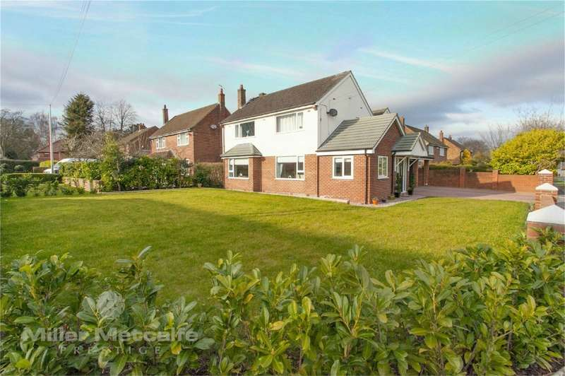 4 Bedrooms Detached House for sale in Common Lane, Culcheth, Warrington, Cheshire