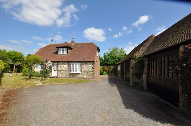 3 Bedrooms Detached House for sale in Halnaker, Chichester, West Sussex, PO18