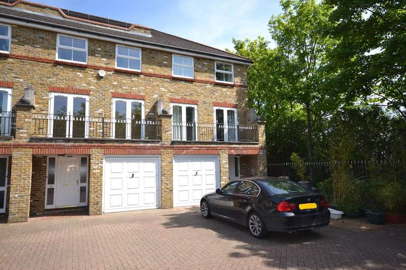 5 Bedrooms Town House for sale in North Kingston