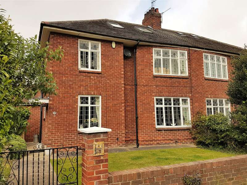 3 Bedrooms Semi Detached House for sale in Walton Avenue, Linthorpe, Middlesbrough, TS5 7RN
