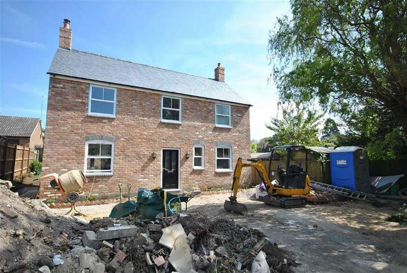 3 Bedrooms Property for sale in Duston