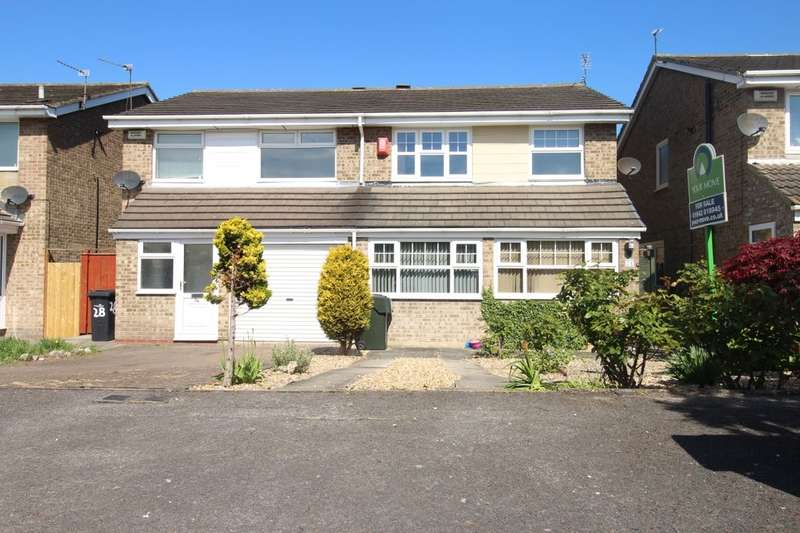 3 Bedrooms Semi Detached House for sale in Kingcraft Road, Marton-In-Cleveland, Middlesbrough, TS7
