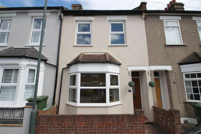 3 Bedrooms Terraced House for sale in Alfred Road, Belvedere, Kent, DA17 5LL