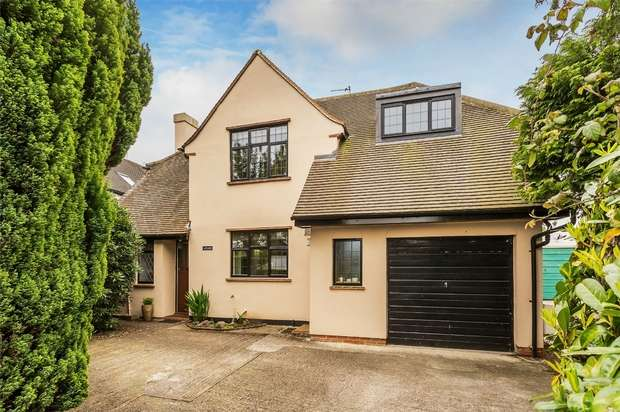 4 Bedrooms Detached House for sale in Horsell, Woking, Surrey