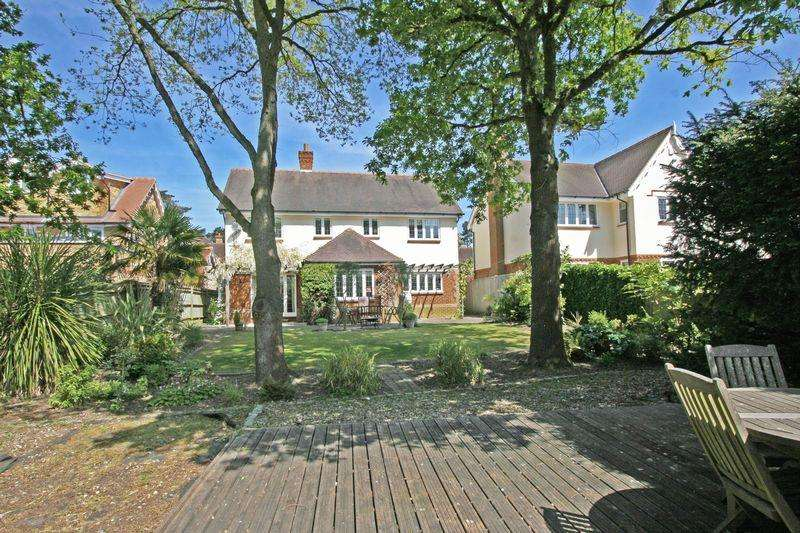 5 Bedrooms Detached House for sale in Kemsley Chase, Farnham Royal, Buckinghamshire SL2