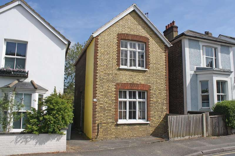 2 Bedrooms House for sale in Doods Road, RH2